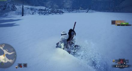 雪のある場所では移動速度が落ちるため注意