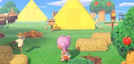 黄色で三角のテント