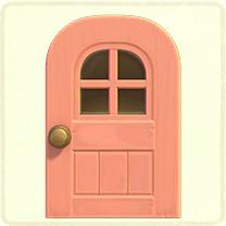 ピンクの窓付きのドア
