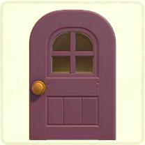 紫の窓付きのドア