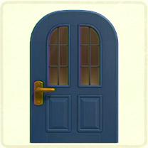 青い縦長窓のドア