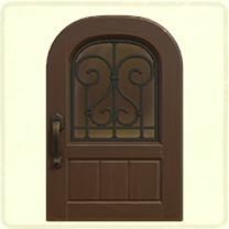 こげ茶のアイアングリルのドア