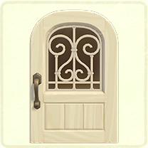 白いアイアングリルのドア