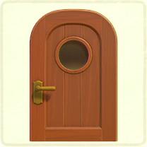 丸窓のドア