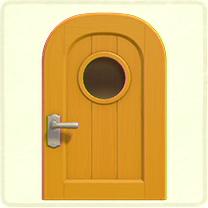 黄色い丸窓のドア