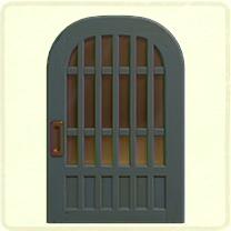 青い格子のドア
