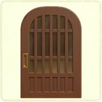 茶色の格子のドア