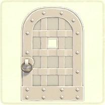 白い鉄のドア