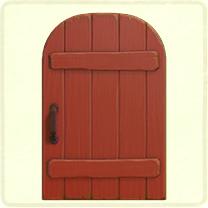 赤い素朴なドア